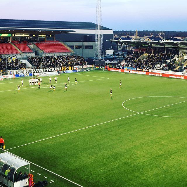 @oskfotboll VS. @aik ⚽️⚽️⚽️ #öskfotboll #aikfotboll #ledscreen #perimeter #LEDventure #match #svenskaspel
