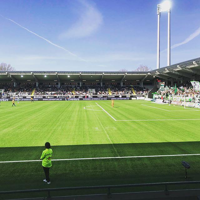 @bkhackenofcl väljer såklart @ledventure_official när dom ska ha Perimeter!🤩 102 meter p16 sitter som en smäck!⚽️ Vill ni också förbättra exponeringen för era partners, hör av er till oss! #nöjdkund #bkhäcken #bravidaarena #svenskaspel #framåtförsvenskfotboll #match #allsvenskan #LEDventure #ledscreen #ledskärm #perimeter