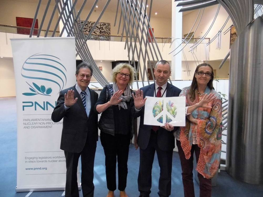 On Earth Day (April 22) Members of the European Parliament Section of Parliamentarians for Nuclear Non-proliferation and Disarmament 'waved goodbye to nuclear weapons'.