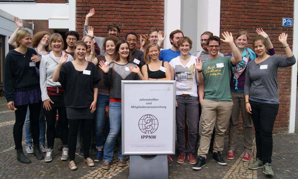 IPPNW medical students in Berlin wave goodbye to nuclear weapons   ‪#‎  globalwave‬