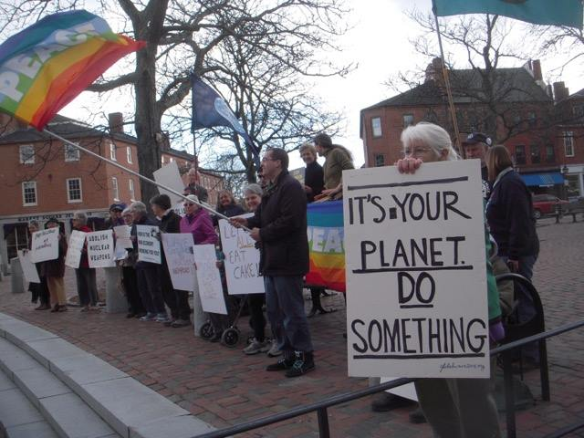 Peace activists in Newburyport waved goodbye to    ‪#‎  nuclear‬    weapons yesterday