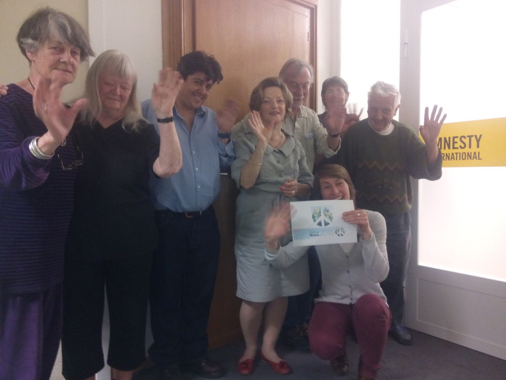 Amnesty Group 40 (Geneva)waved Goodbye to nuclear weapons.