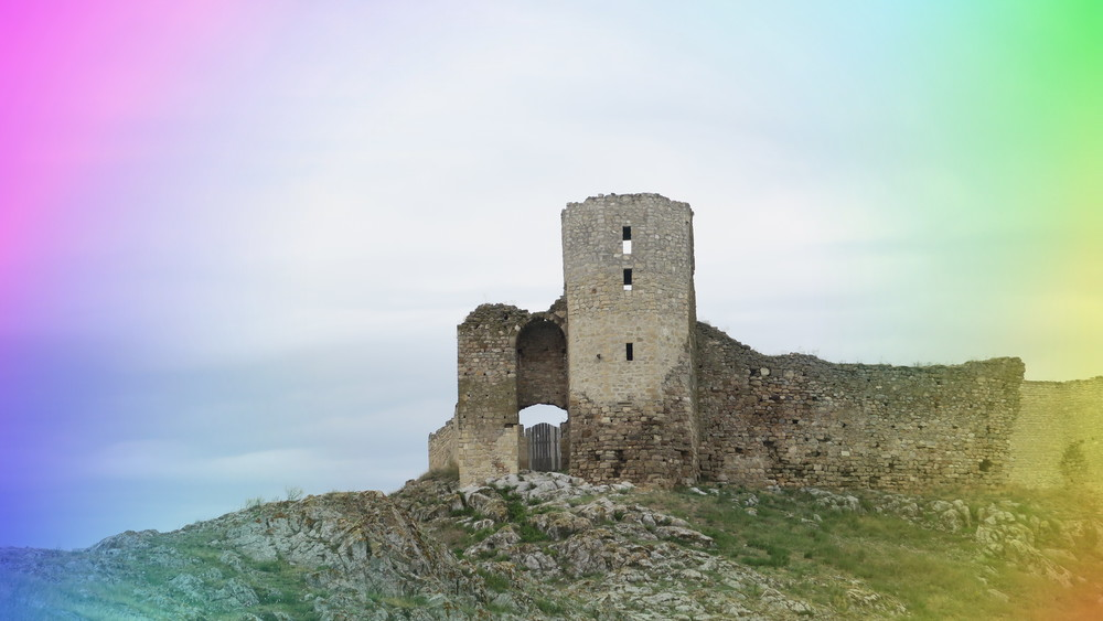 The Enisala Fortress in the light of the rainbow