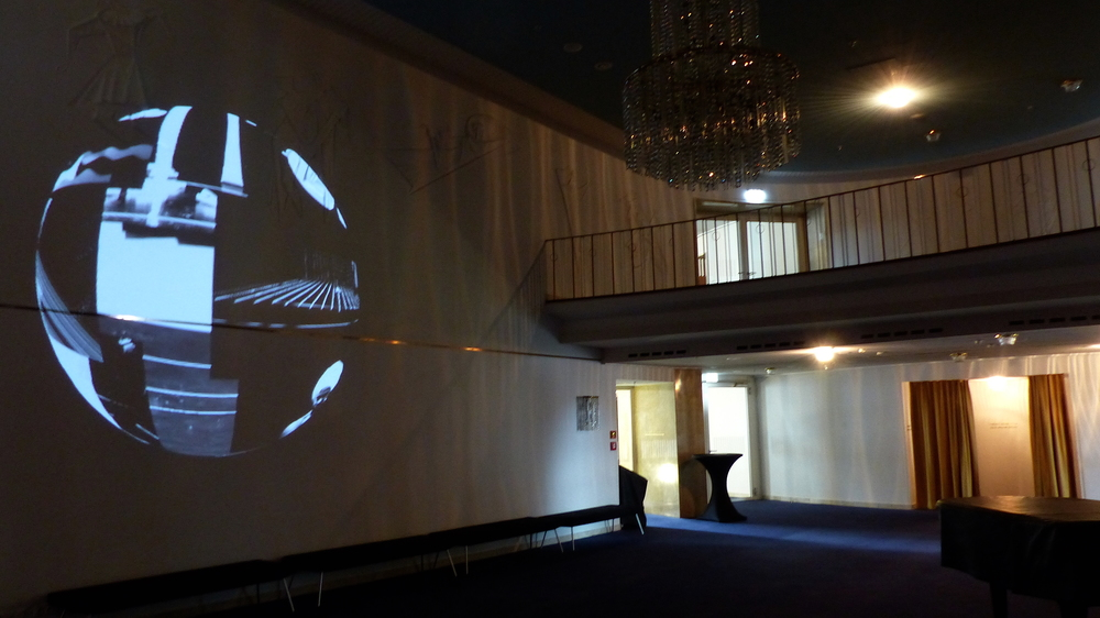 2015 - Wandernde Wand Video Installation - Opernhaus - Wuppertal