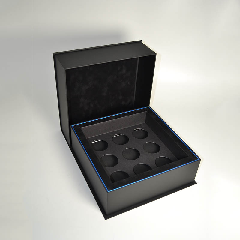 Clamshell Box 7.jpg