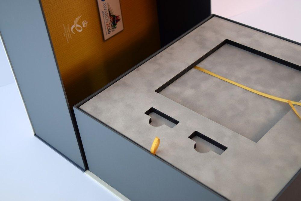 Clamshell Presentation Box