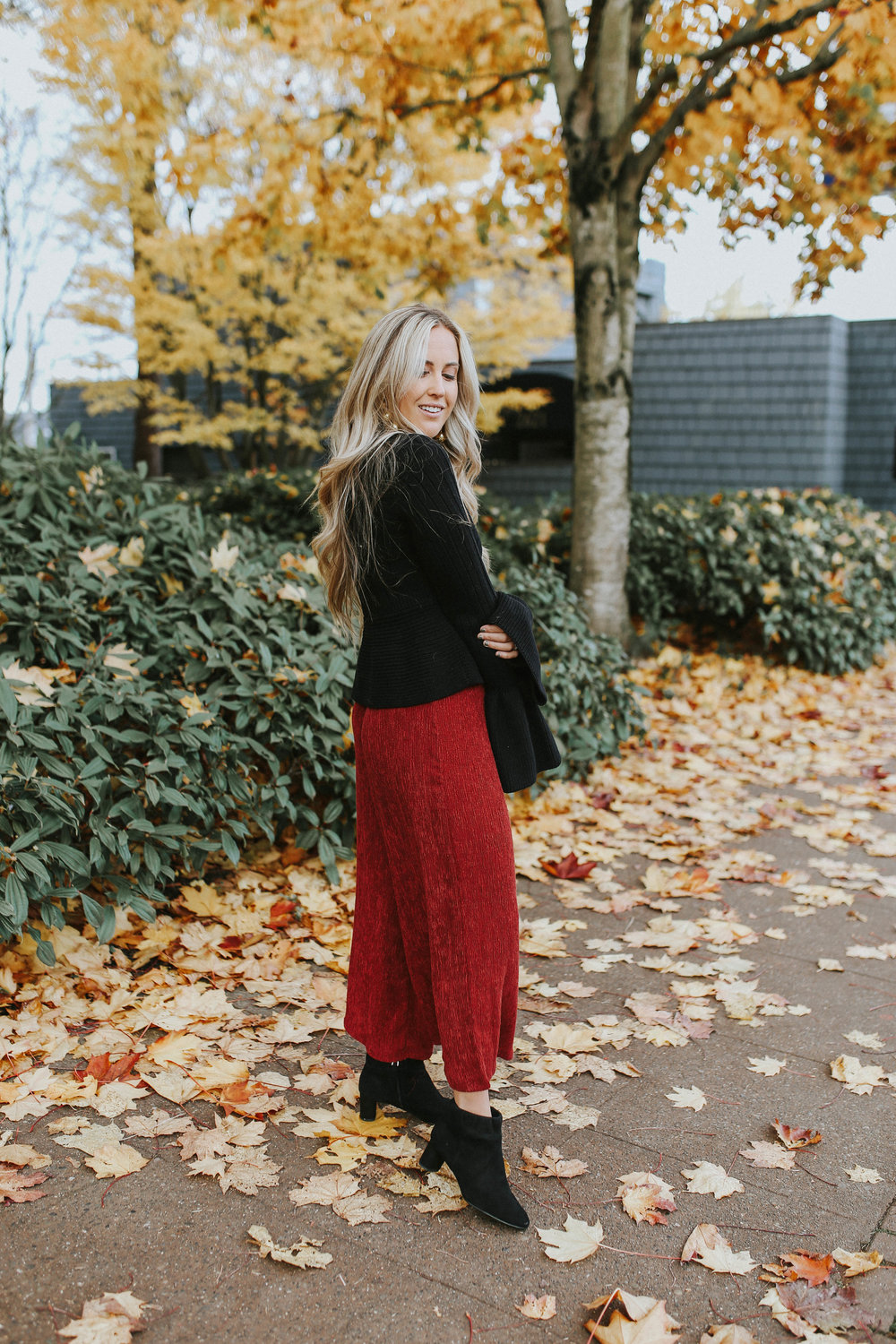 UO Red Pants-2.jpg