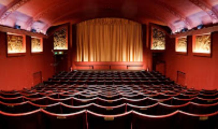 PhoenixCinema-Auditorium01.Copyright-Maurita.van.Droogenbroeck2012.jpg