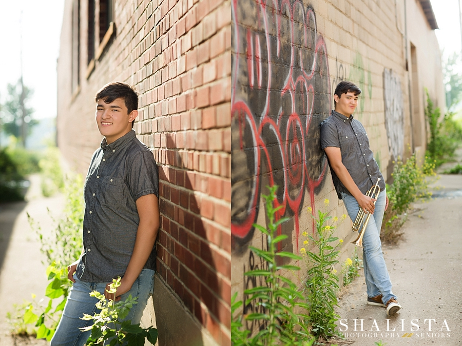 Alleyway senior poses for guys