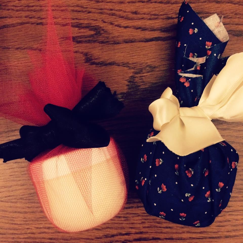 Packaging tulle, ruban de soie, coton fleuri