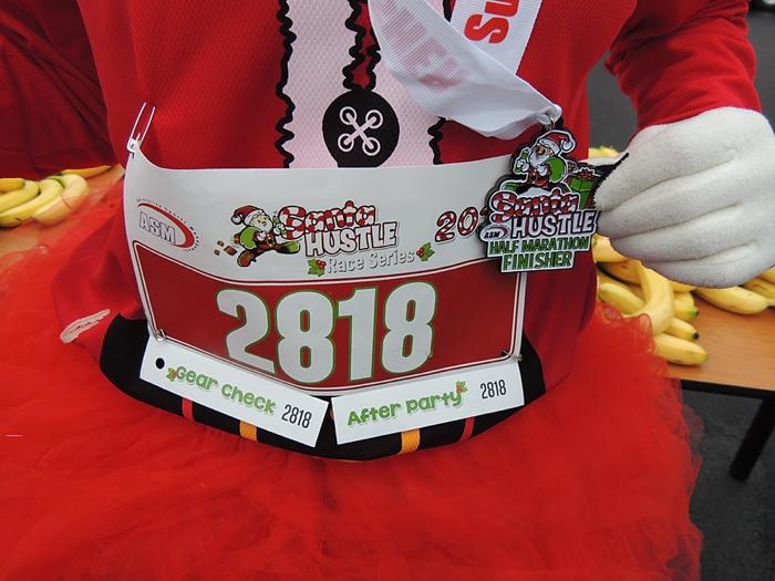 christmas-half-marathon-santa-hustle_0100