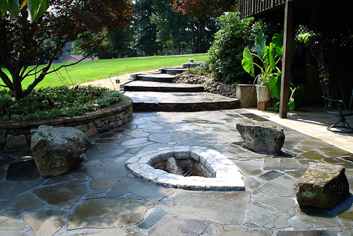 Patios and Walls Water Garden Designs by Tharpe