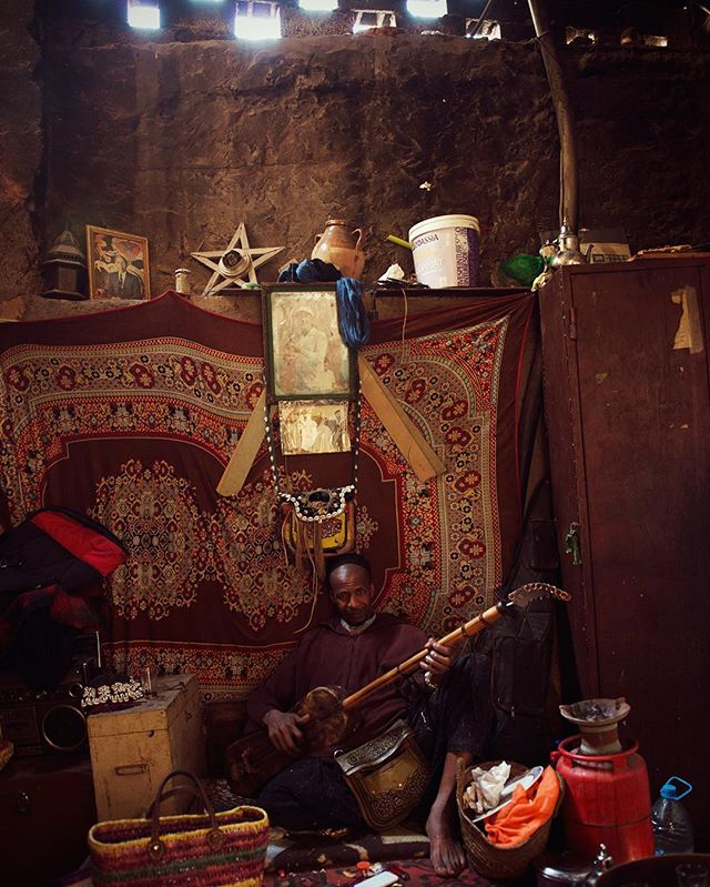 Wonderfully warm musician from Ghana hanging in Marrakech. #morroco #marrakech #marrakesh #ghana #musician