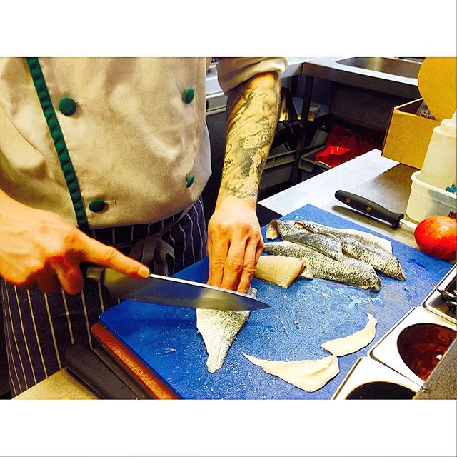 some fresh sea bream filleting! #slighhouse #edinburghrestaurants #edinburghcocktailbar #seabream #freshfish
