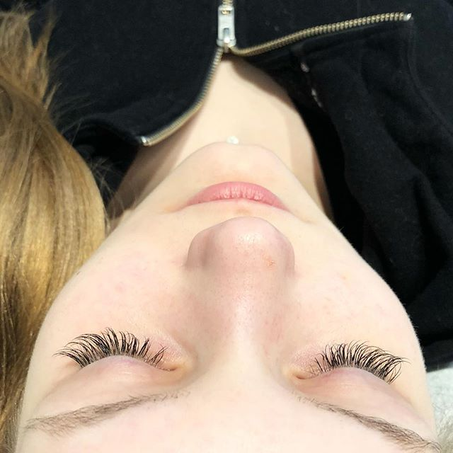 This client came in just before four weeks, this is what her lashes looked like! Swipe to the left to see the final result of her 'Hybrid Semi Fill' . : : #explorevictoria #victoria #yyj #victoriabuzz #explorebc #sharevi #vancouverisland #explorevancouverisland #pnw #sharethecoast #explorecanada #storiesofthecoast #VSCO #VSCOfile #pnwcollective #yyjhair #yyjmakeup #yyjbeauty #yyjdeals #yyjevents #yyjlashes #yyjnails #yyjweddings #yyjsalon #yyjjobs #yyjfoodie #classiclashes #editorialphotography #beautyblogs