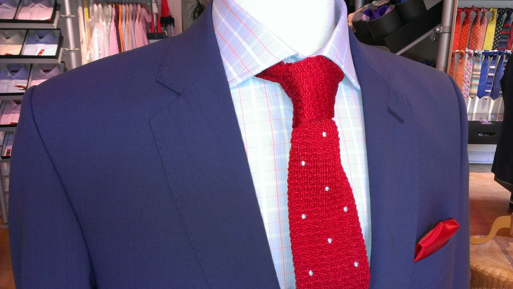 merino-wool-lightweight-bright-blue-suit-red-white-knitted-tie.jpg
