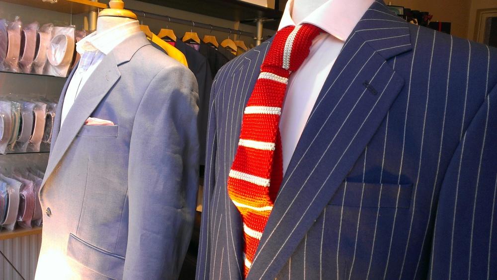 navy-white-stripe-medium-weight-blue-linen-jacket-red-white-stripe-knitted-tie.jpg
