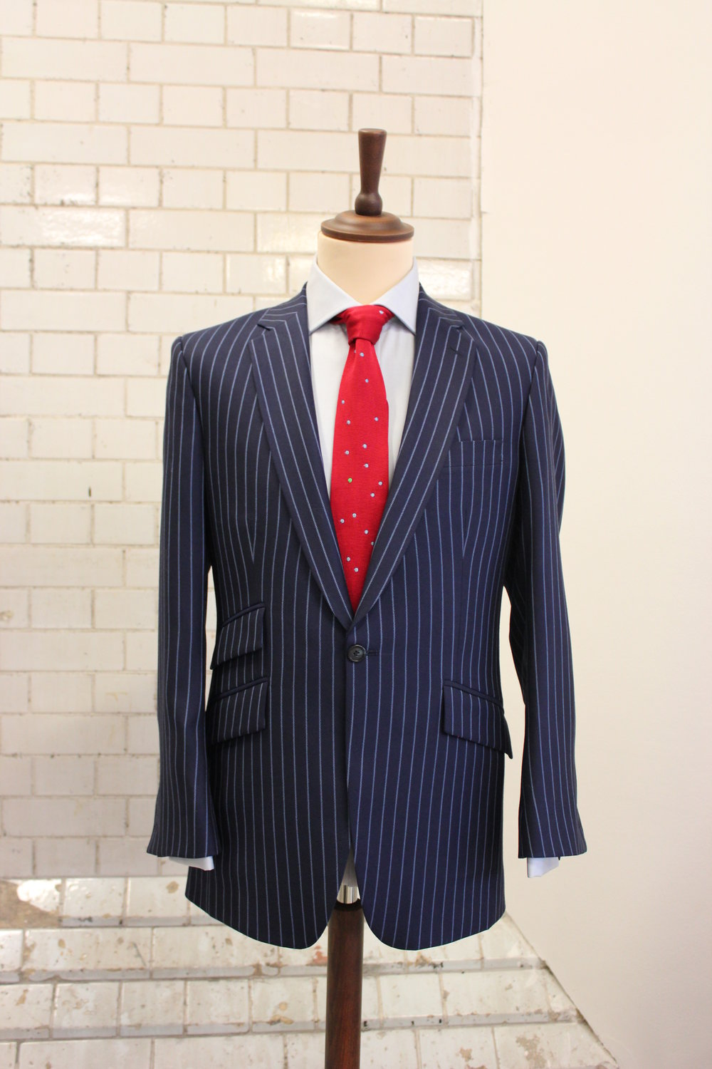 british-bespoke-tailor-all-uk-made-harrisons-shirt-blue-chalk-stripe-augustus-hare-red-knitted-tie-menswear-style.JPG