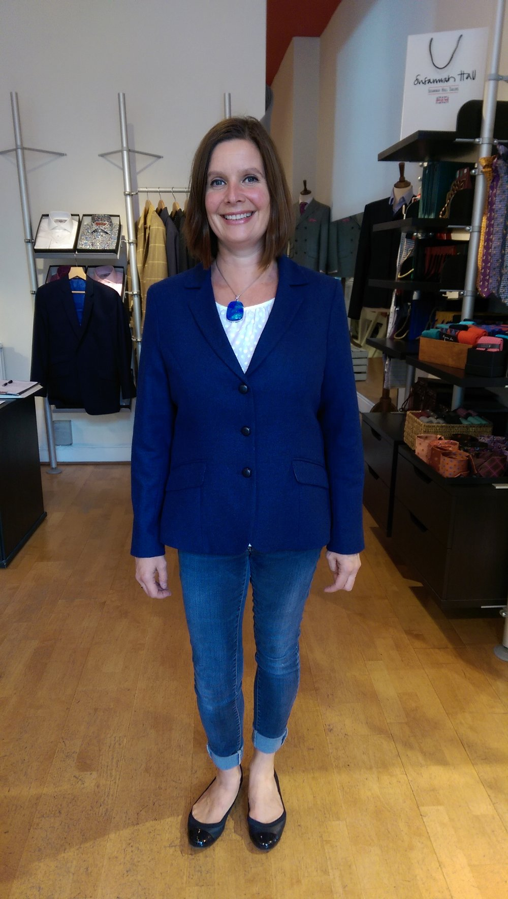 moon-blue-fabric-lambswool-susannah-hall-bespoke-ladies-tailoring-british-uk-made-jacket-womenswear.jpg
