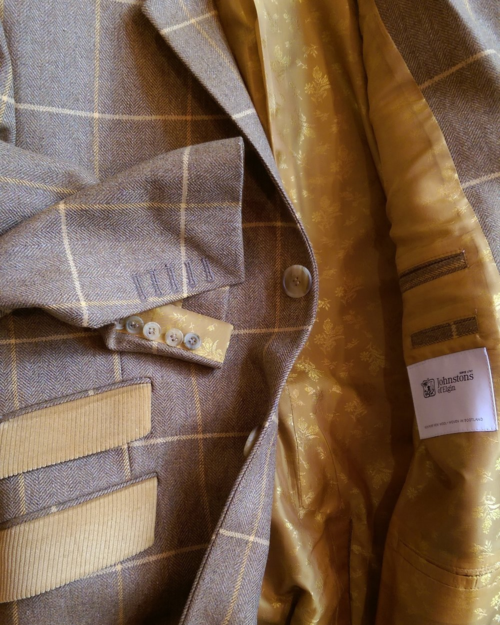 bespoke-all-uk-made-british-coat-overcoat-tweed-johnstons-of-elgin-cord-mustard-paisley-lining-cuff-detail-horn-buttons.jpg