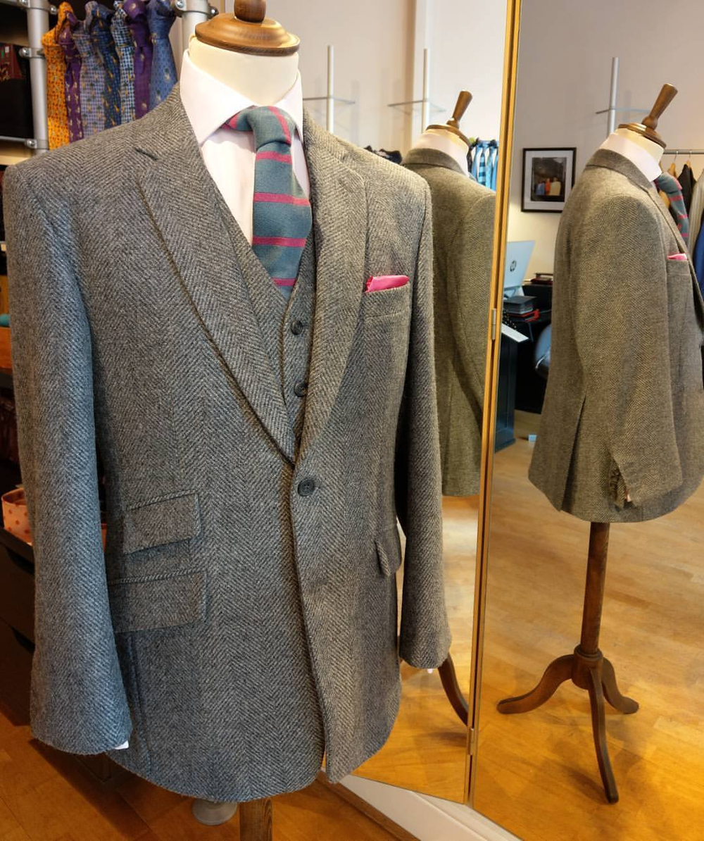 grey-tweed-herringbone-woven-in-bone-susannah-hall-bespoke-suit-jacket-british-uk-made.jpg