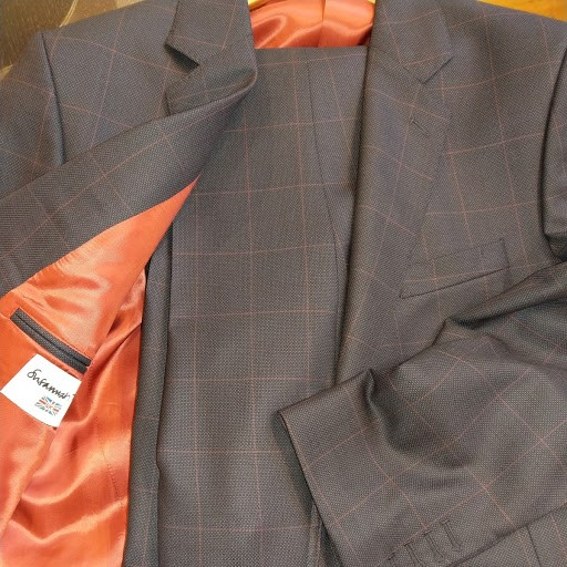 dormeuil-suit-susannah-hall-tailors-british-uk-made-red-lining.jpg