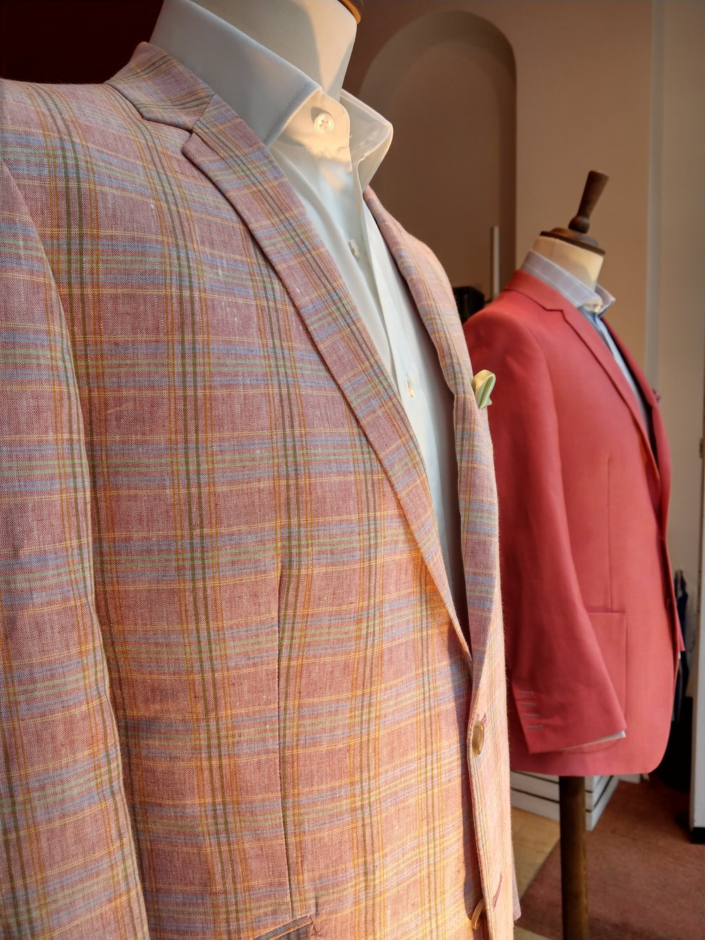 bespoke-linen-cotton-jacket-bateman-ogden-dormeuil-susannah-hall-tailor-made-uk-britain.jpg