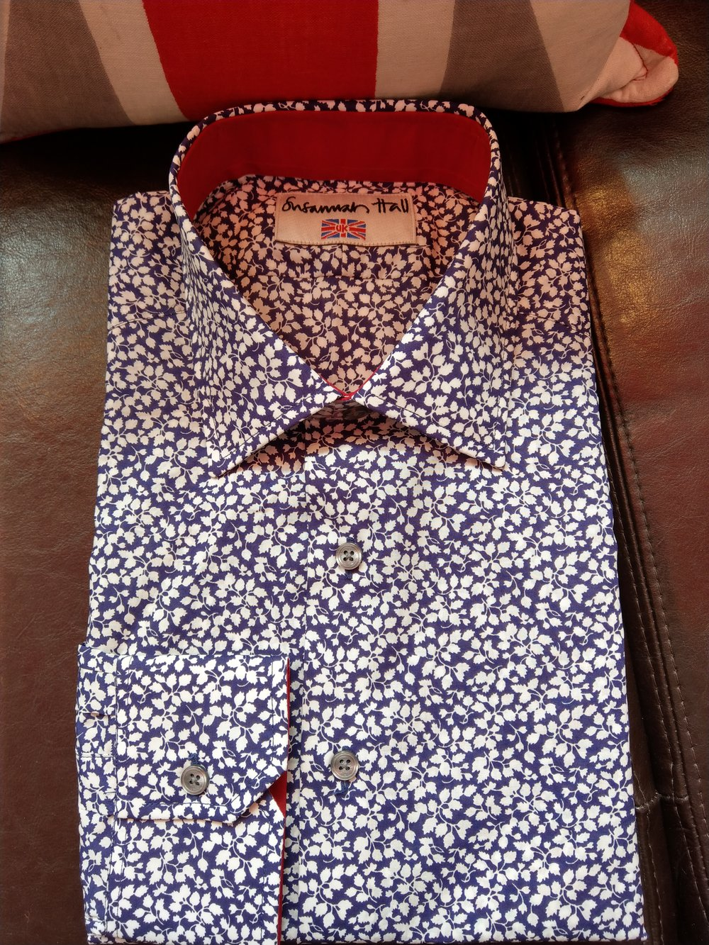 floral-bespoke-pattern-casual-shirt-detail-susannah-hall-tailors-made-uk-britain.jpg