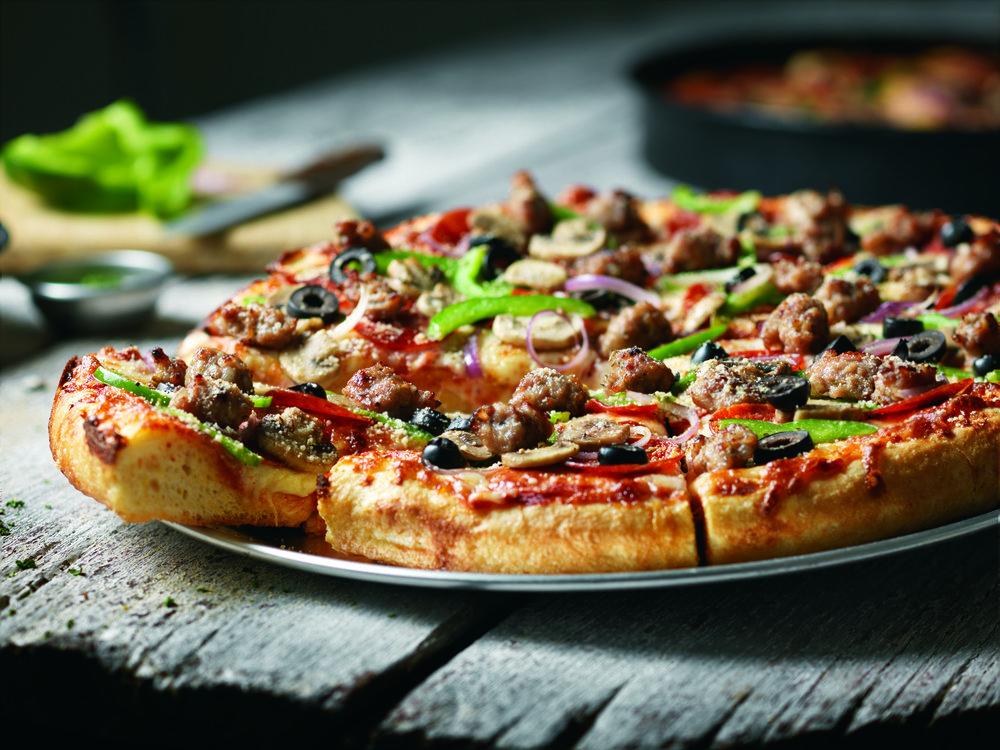 pizza-CT Chicago7 no pan 300dpi (1).jpg