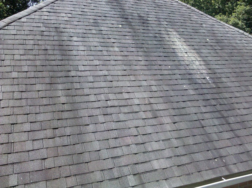Asphalt Roof Cleaning Expert in Wisconsin