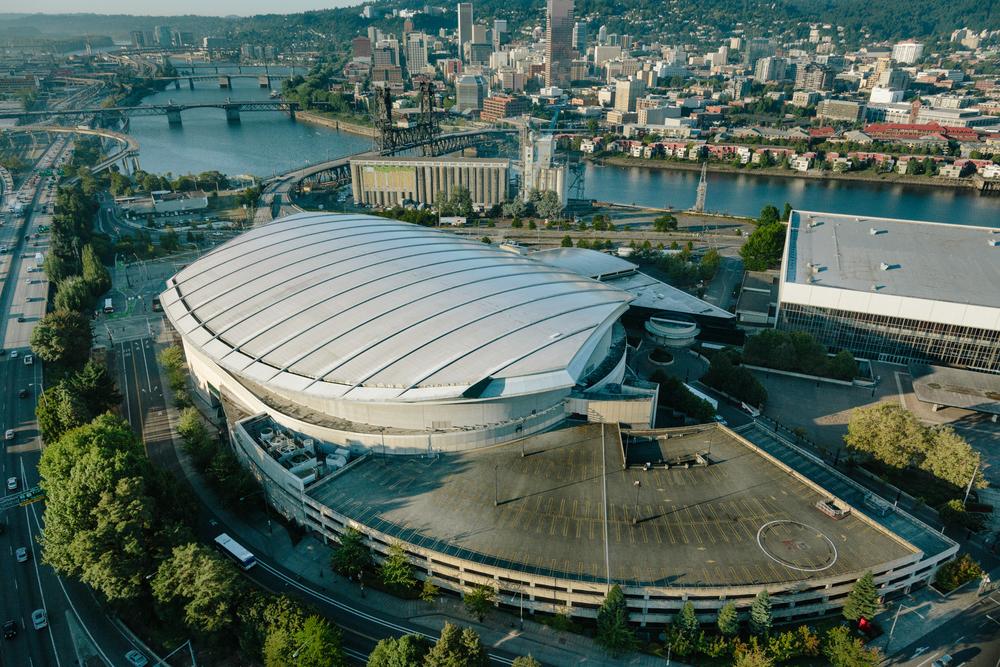 The Rose Garden Arena  Portland, Oregon $263 million arena Seats: 19,000, Suites: 70