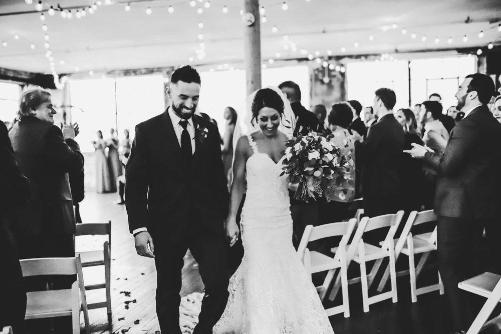 Wedding Sneak Peeks (4 of 5).jpg