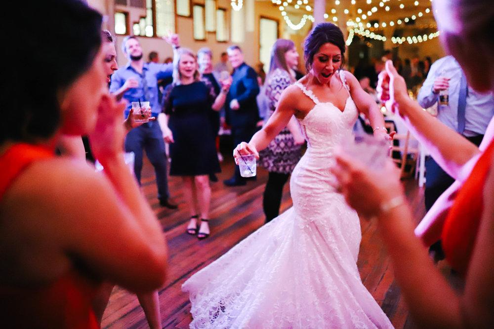 Wedding Sneak Peeks (5 of 5).jpg