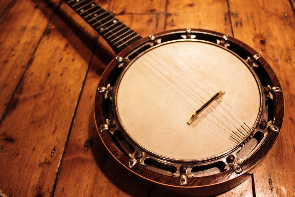 Banjo (1 of 1).jpg