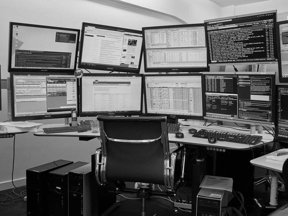 Automated High-Frequency Stock Trading Desk LOCATION Webb Traders Trading Floor, Amsterdam, The Netherlands DESCRIPTION An automated trading system is a computer algorithm that autonomously trades on a (stock) exchange or market centre.