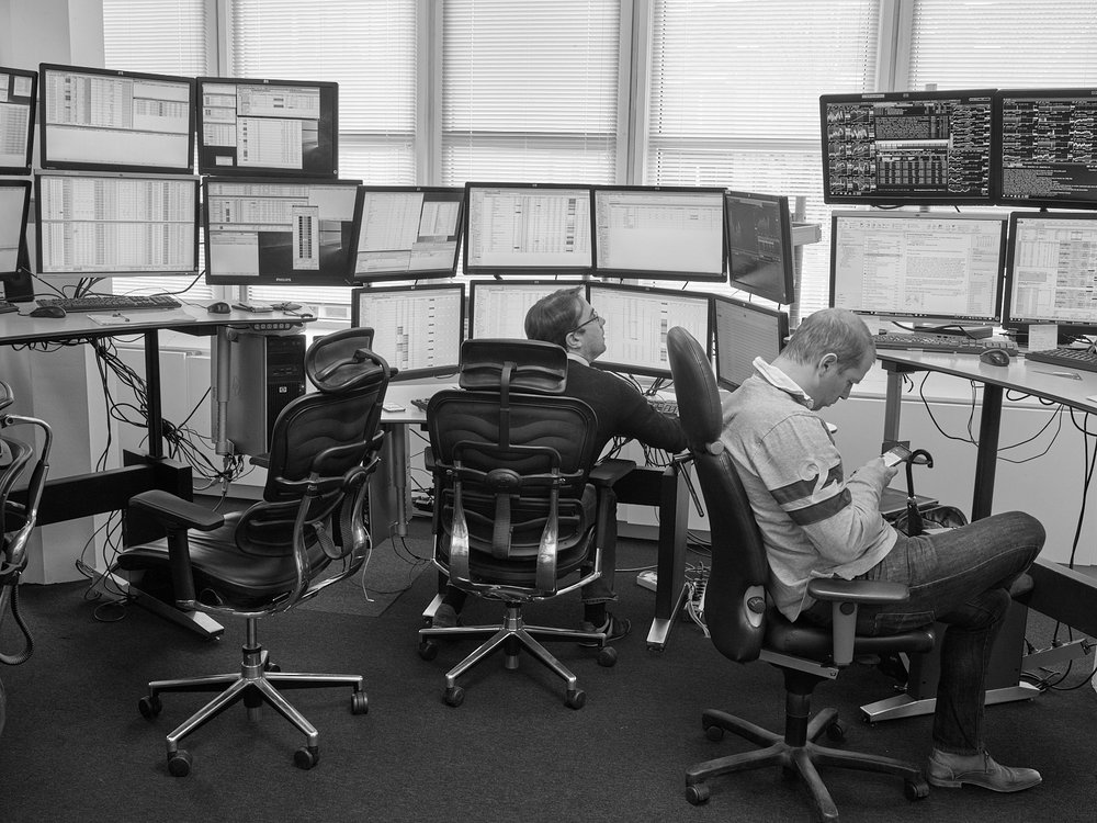 Automated High-Frequency Stock Trading Desk LOCATION Webb Traders Trading Floor, Amsterdam, The Netherlands DESCRIPTION Automated trading systems operate at speeds greatly exceeding human abilities, often in ultra high frequencies in the millisecond range. Traders hence only supervise systems but rarely intervene.