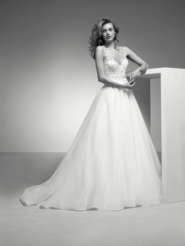 Pronovias Privee - Itera