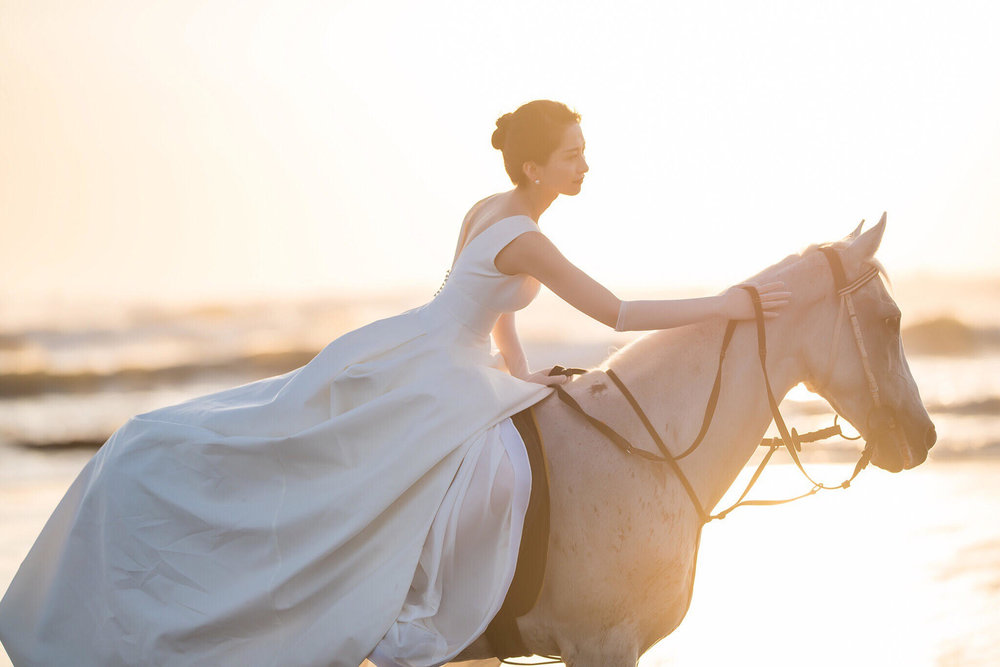 CAROLINA HERRERA MASON GOWN  PHOTO BY FILMING GU