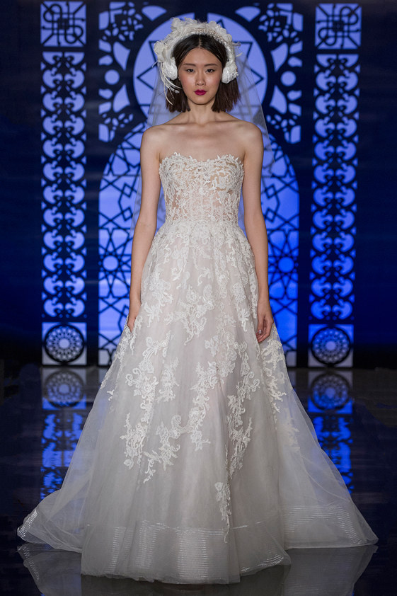 FELICITY $8,995 40% OFF,  NOW $5,397  SIZE 10
