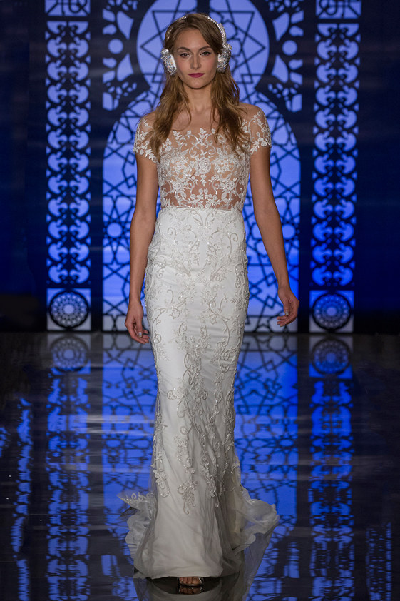 LETICIA $7,995 50% OFF,  NOW $3,997.50  SIZE 8