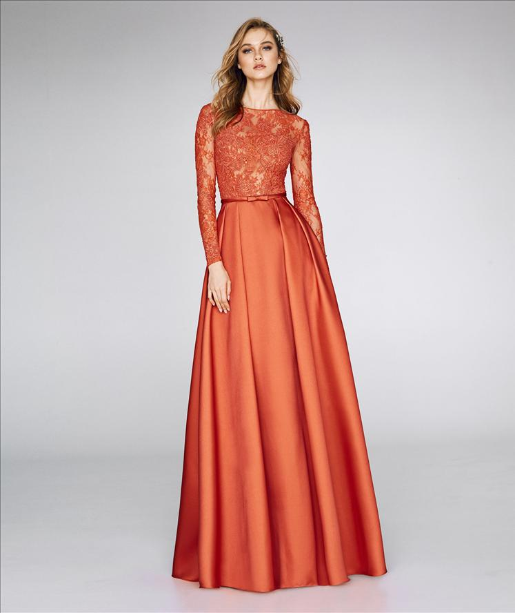 PRONOVIAS - 8355 // CREW NECK MIKADO GOWN W/ CHANTILLY & GUIPURE LACE LONG SLEEVES