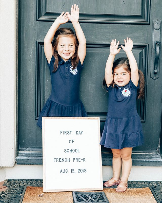 First day of school for these sassy sisters (chacha's leg pop though 🤣) It's a huge day because this year Daddy will have TWO girls to speak en francais with! Best of luck to my Chacha girl and sweet Clementine! Mommy, Daddy and your brothers are SO proud of you 🍎 #firstdayofschool