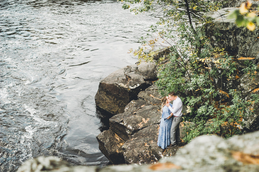 Amanda & Nick: Taylor's Falls Autumn Engagement
