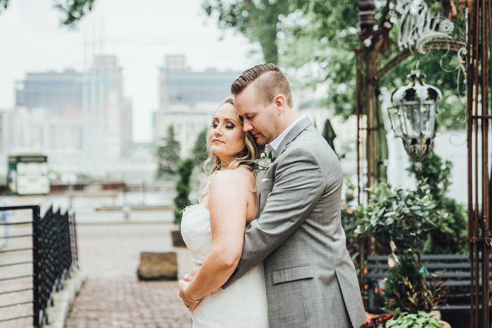 AMANDA & NICK: MINNEAPOLIS EVENT CENTER WEDDING