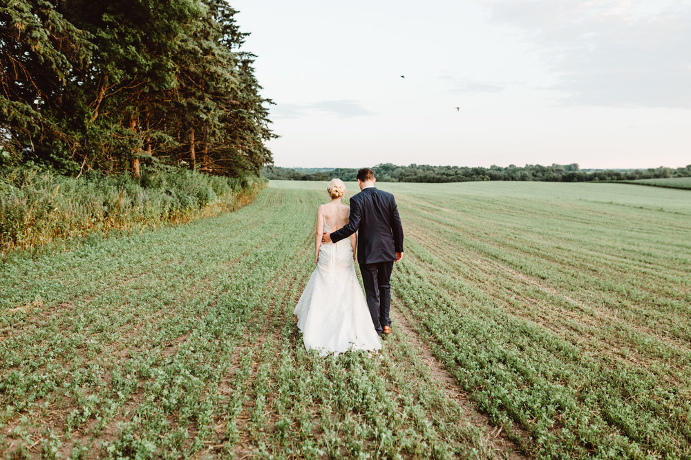ALY & JUSTIN: LEGACY HILL FARM WEDDING