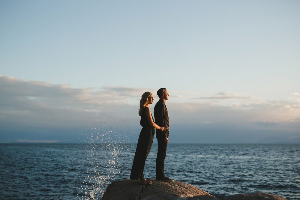 24-218-lighthouse-park-engagement-photography.jpg