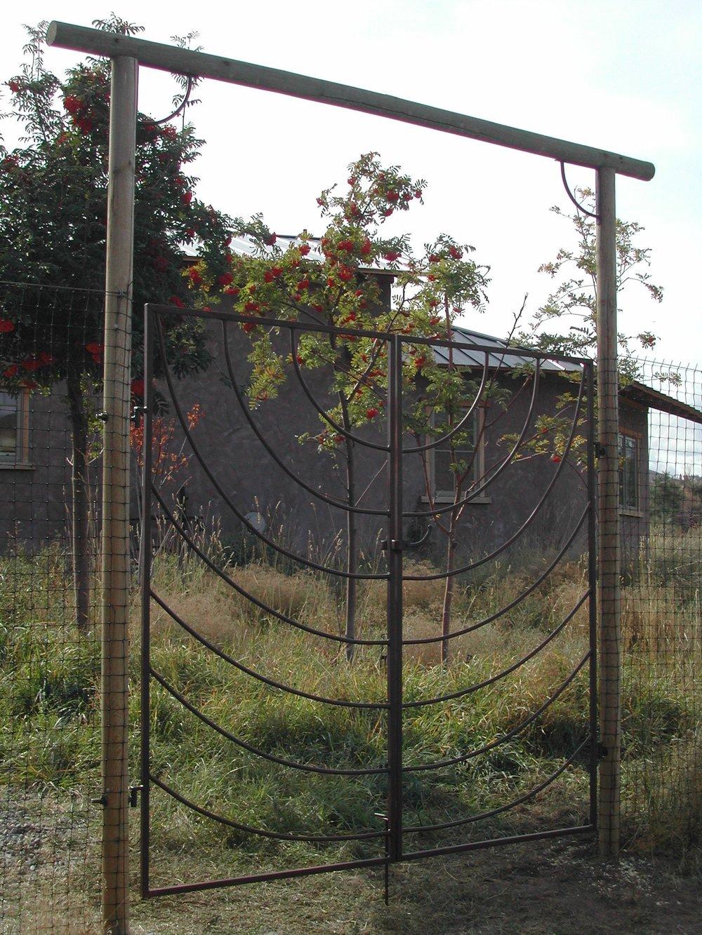 Simple_Double_Gate Ebenger.JPG