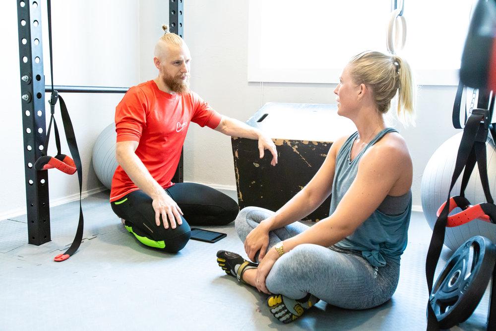 En trening starter og avsluttes alltid med en samtale - om hvordan tiden har vært siden sist og hva som skal skje til neste gang.