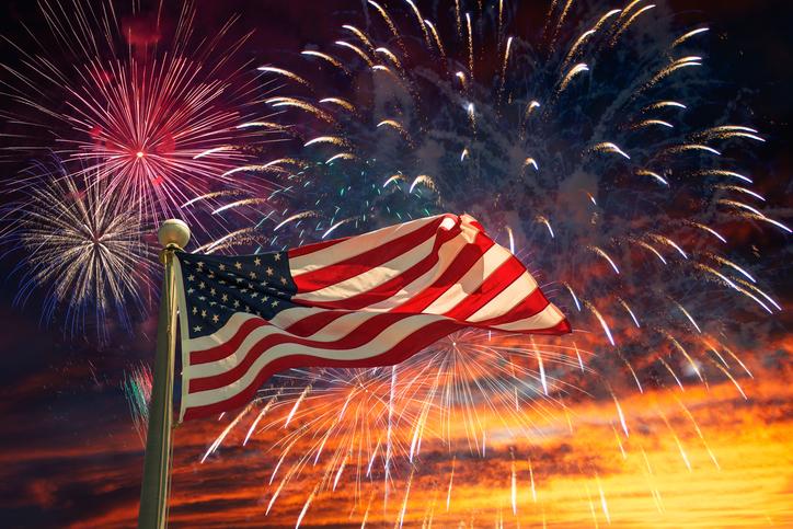 USA-flag-815196336_727x484.jpeg