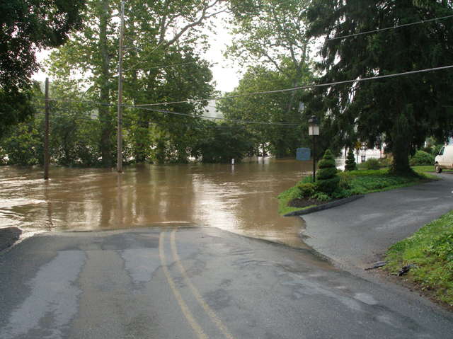 flood06 1 72dpi.jpg